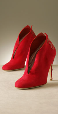 Scorah Pattullo, Designer Shoes, boots, wedges, pumps and sandals in London, New York, L.A and Tokyo